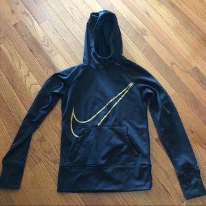 Black nike therma hoodie